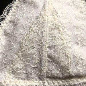5eed02385bdf5 Gilly Hicks Intimates   Sleepwear - GILLY HICKS Halter Cream Lace Bralette  - XS